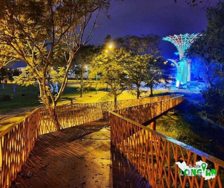 Thành Phố Tân An xuất hiện Cầu Vàng cảnh quan
