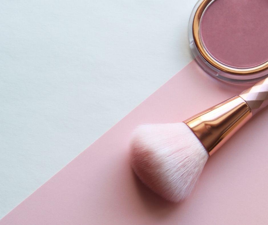 Cách đánh má hồng phù hợp với khuôn mặt