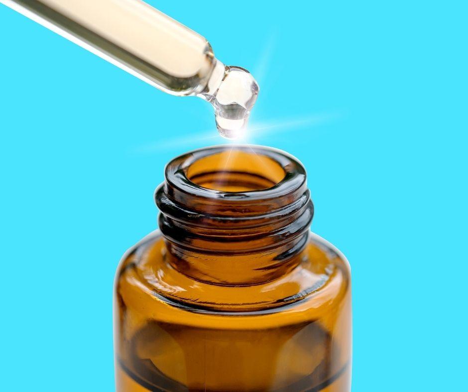 Chăm sóc da khô không thể bỏ qua serum, tinh chất dưỡng essence có chứa dầu dưỡng