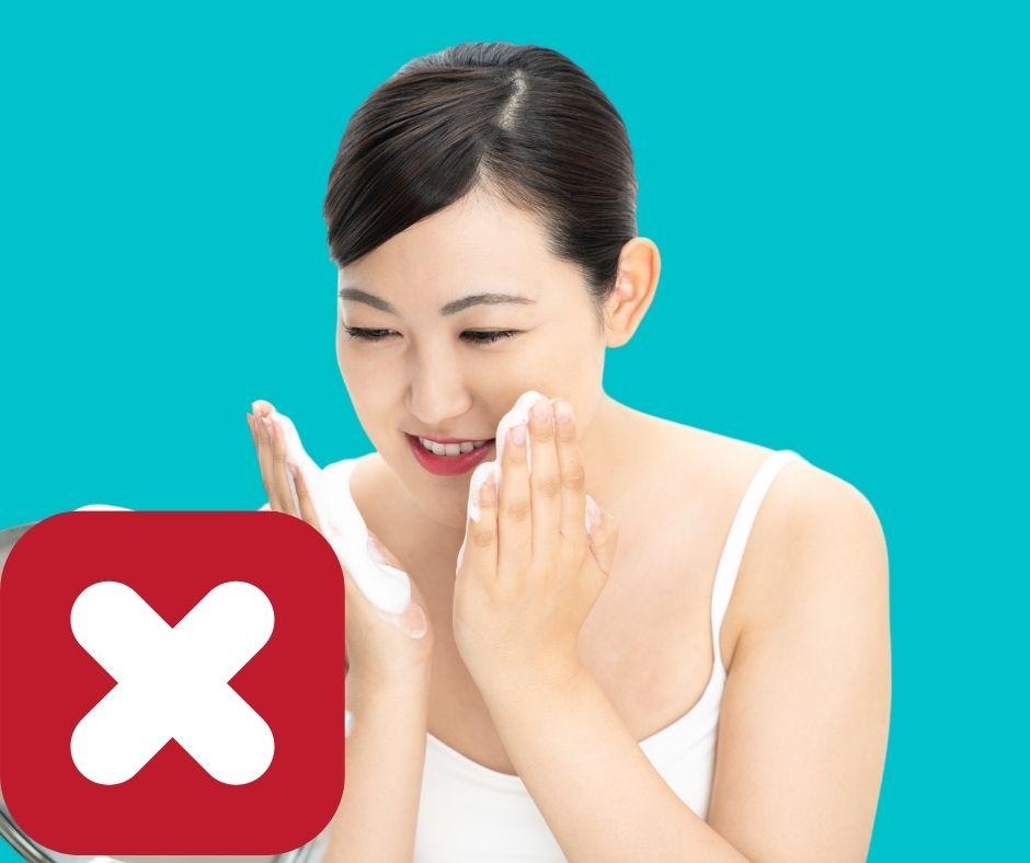 Cách đắp mặt nạ sai lầm của phụ nữ dẫn đến lão hóa da , dùng sữa rửa mặt